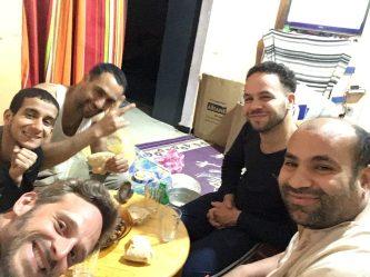 Jacine, mein Gastgeber in Algiers (links von mir) und seine drei Mitbewohner