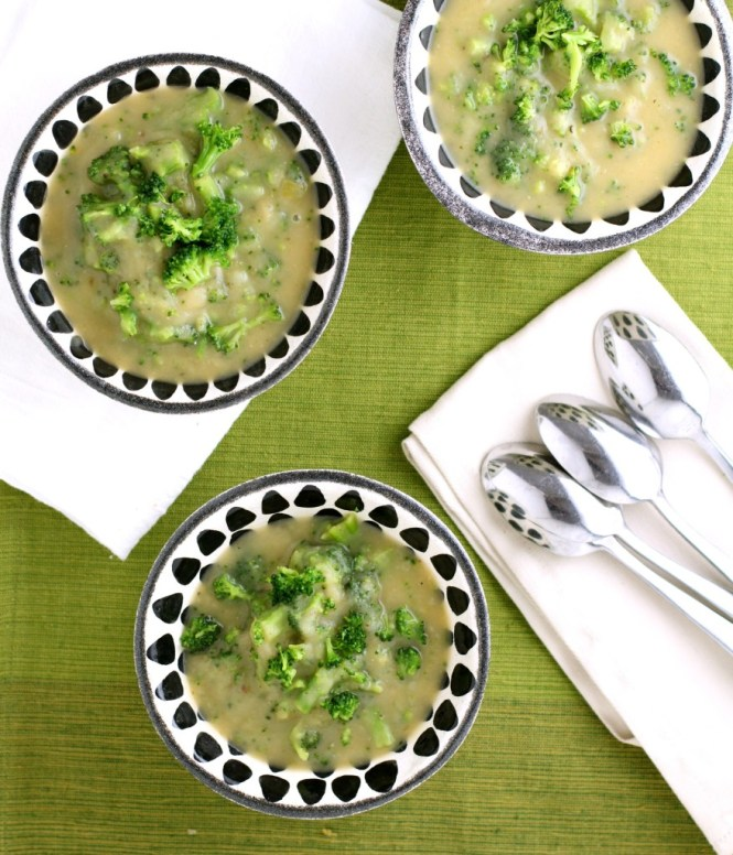 Broccoli, Leek, & Potato Soup Recipe {vegan, gluten free, whole30}