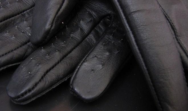 Spike-Handschuh