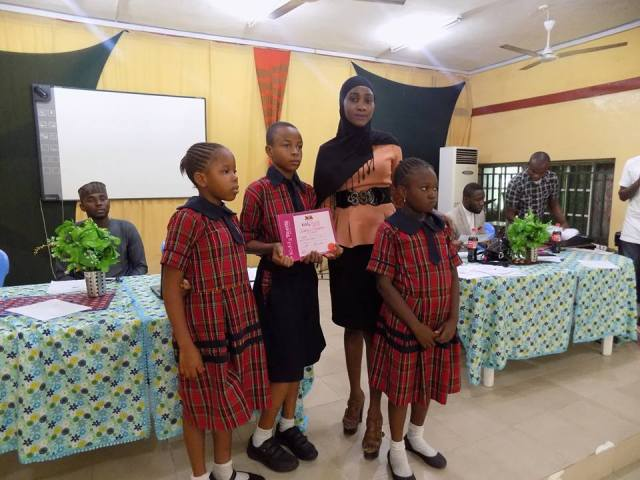 partcipating school receiving certificate