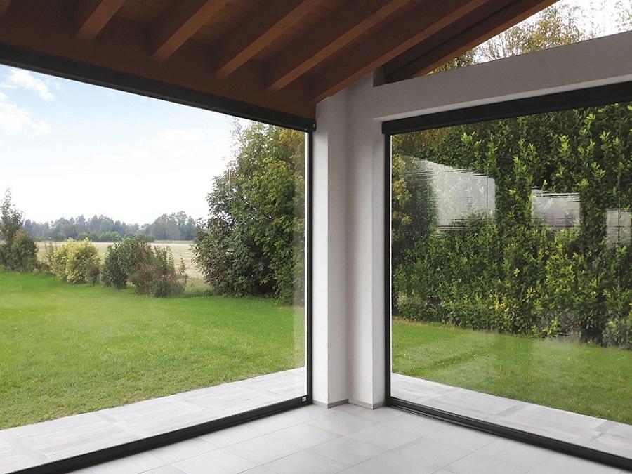 Tenda tende da sole a balcone bracci 300x2vari colori disponibili caduta. Tende A Rullo Per Esterni In Pvc Trasparente Per Balconi E Verande