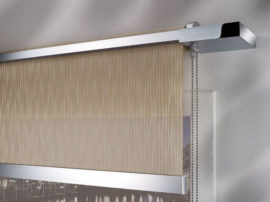 Emmebi è un azienda specializzata nella produzione di tende a rullo su misura e sistemi per tende arricciate, a pacchetto, a pannello e di nastri. Tende A Rullo Da Interno E Da Esterno Su Misura Moderne