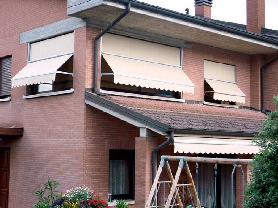 La tenda zip con telo pvc trasparente per esterni garantisce protezione contro. Tende Da Sole A Caduta Verticale Per Esterni Balconi Terrazzo