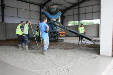 Przygotowanie betonu posadzkowego