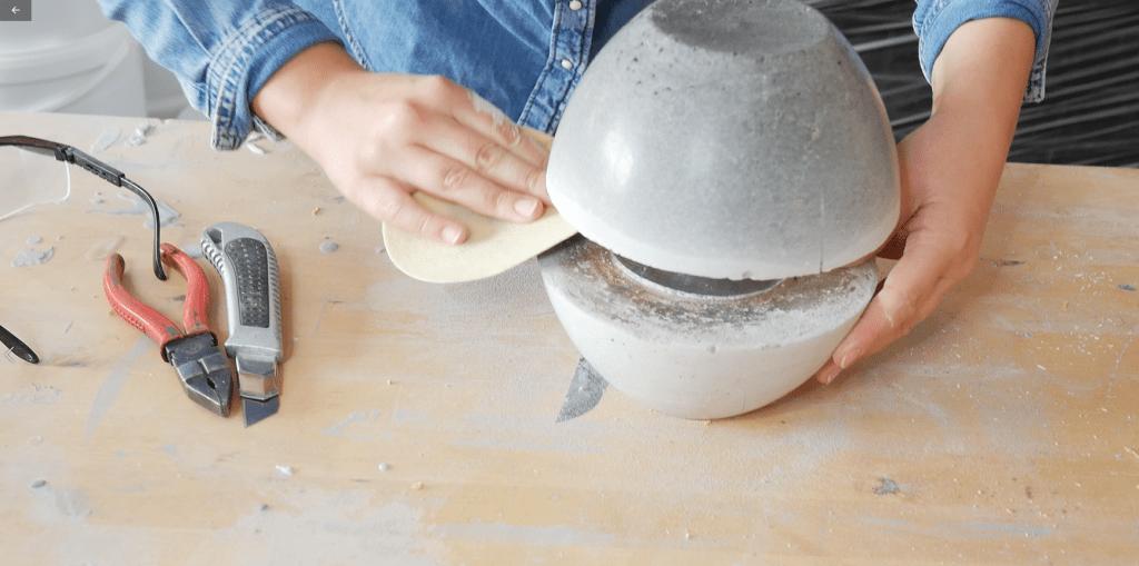 Betonowa lampa - szlifowanie