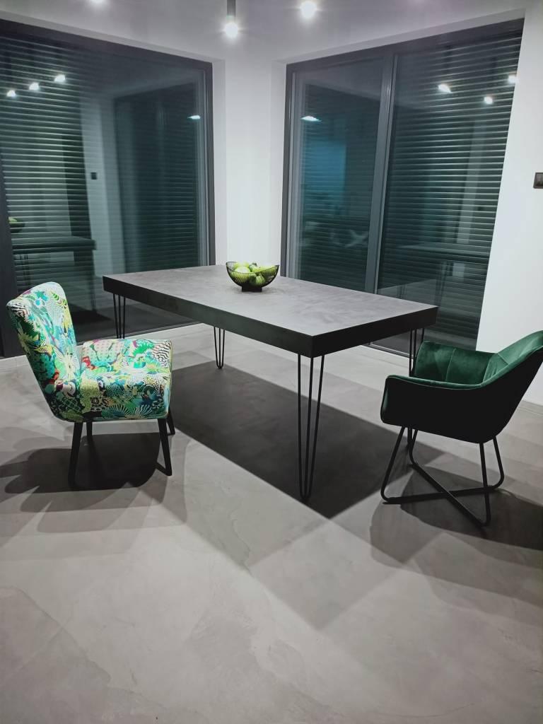 Posadzka i stół z mikrocementu DIY