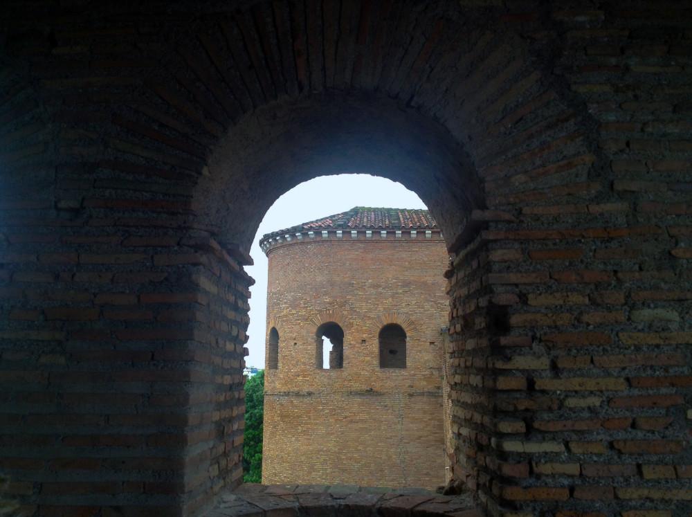 ANNULLATA - Apertura speciale: Porta Asinaria e le mura aureliane: storia della difesa di una città