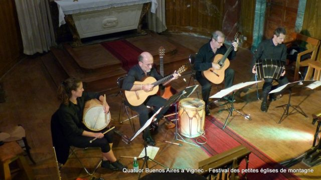 """""""Voyage musical en Argentine"""" Concert du quatuor Buenos-Aires donné le 22 août 2017 en l'église Saint-Jacques de Vignec dans le cadre du Festival des petites églises de montagne"""