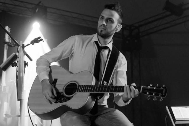 Simone Foti è il volto nuovo del pop-cantautorale