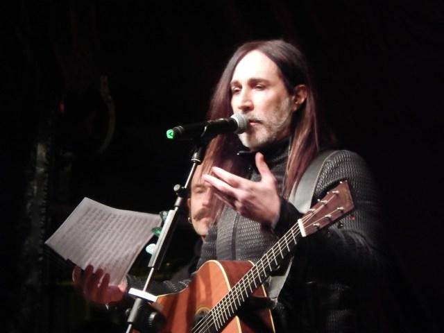 Una giornata al mare – foto del concerto delle Sardine a Bologna