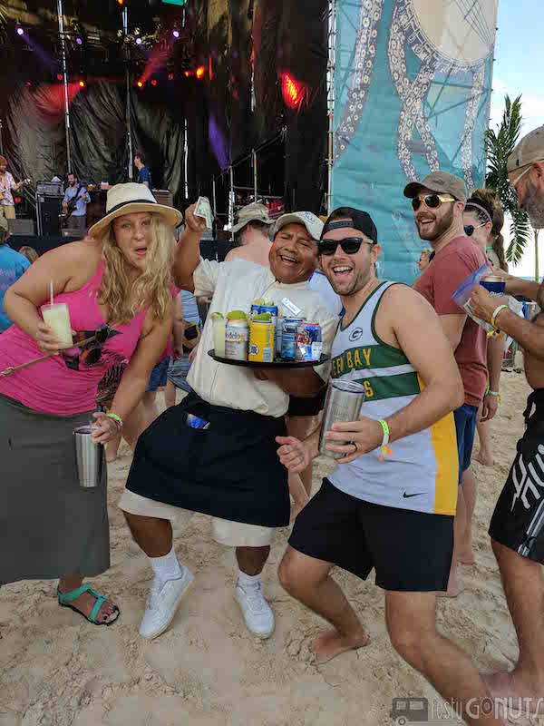 Strings_and_Sol_2016: Main Stage Beverage Service