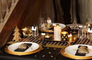une-table-de-noel-doree
