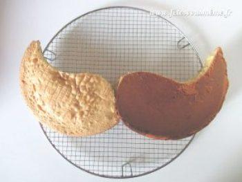 Gâteau moustache Etape - Fêtes vous même