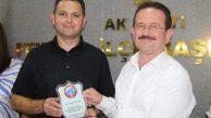 Esenköyspor Yönetiminden AK Partiye Teşekkür Plaketi