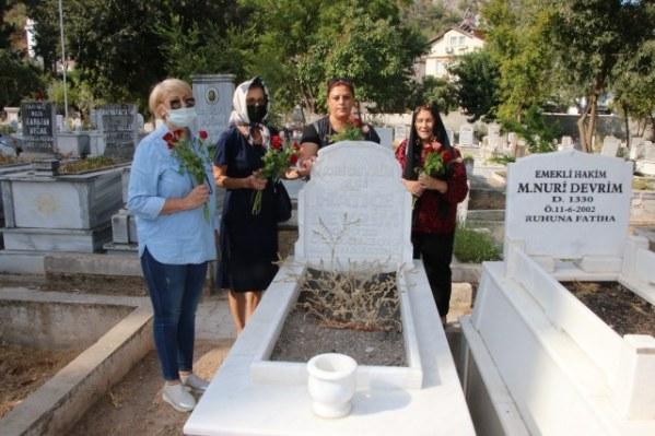 Zeynep Tuncel'i Sevenleri Unutmadı