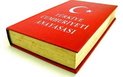 Gülen in The Financial Times: 'Turkije heeft een nieuwe grondwet nodig'