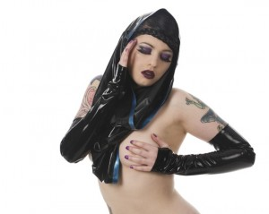 Contrast Faced Latex Snood