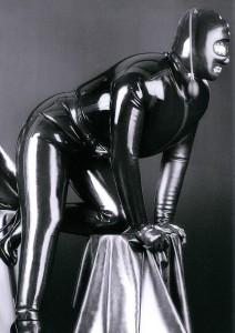 demask mens inflatable catsuit メンズ用インフレータブルキャットスーツの例