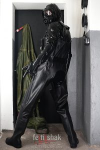 BUCKLE HEAVY RUBBER GLOVES 3