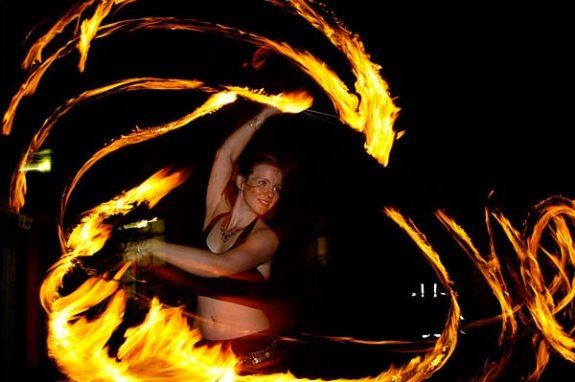 Orientalischer Feuer Walkact