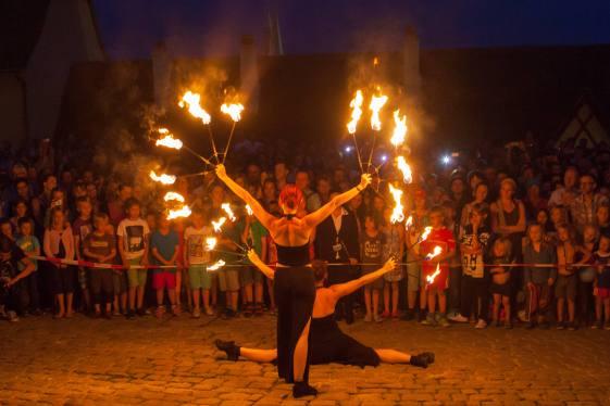 Feuerfächer Performance