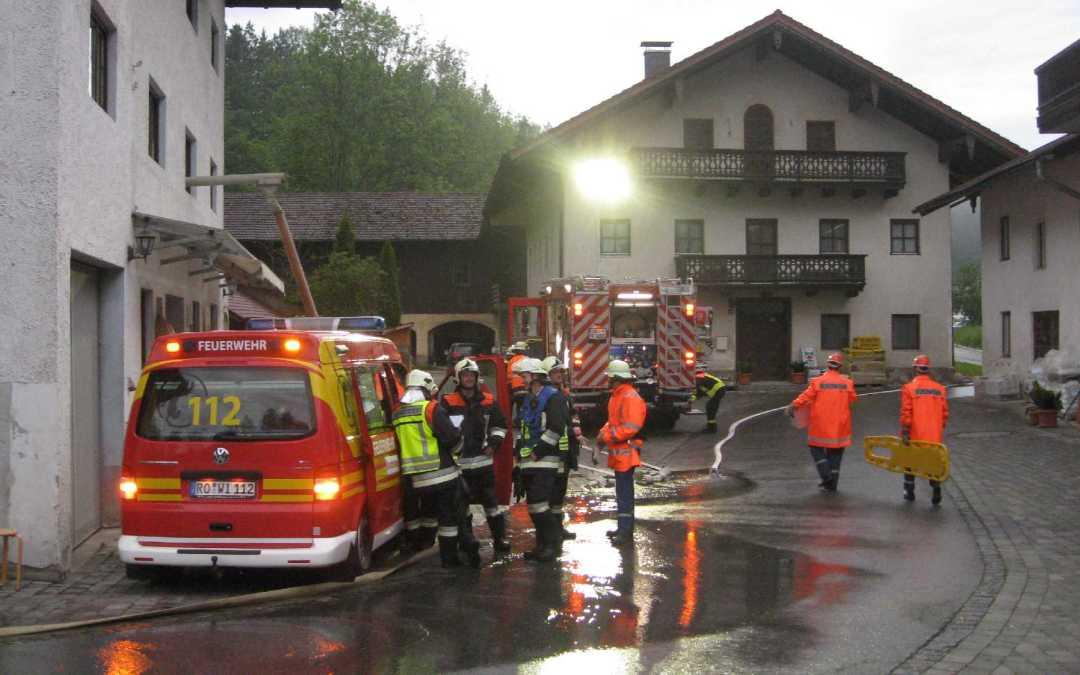 Übung der Feuerwehren Wildenwart, Atzing, Umratshausen und Frasdorf