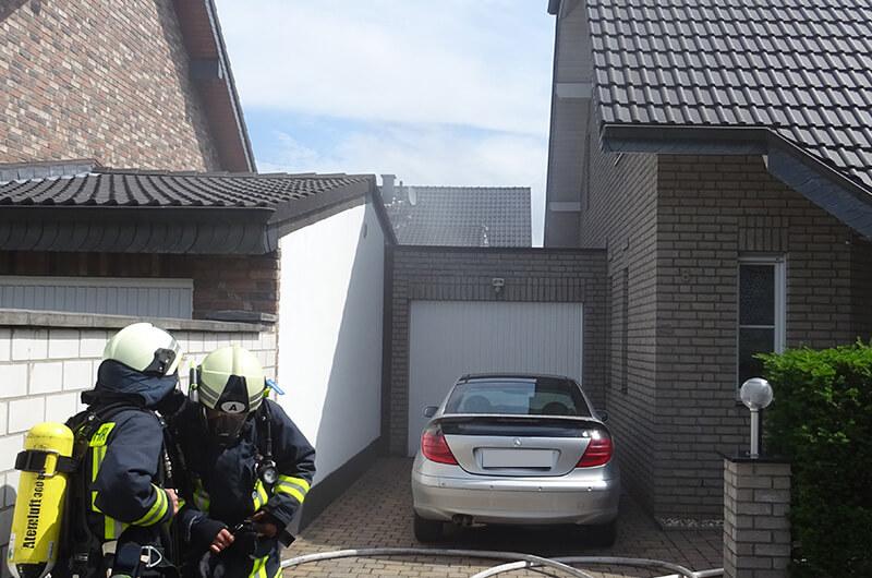 110618_agt_trupp_hofeinfahrt