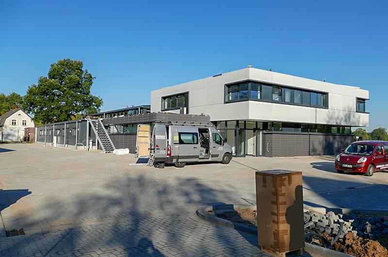 btb_hinterhof_parkplatz_ansicht_lzn