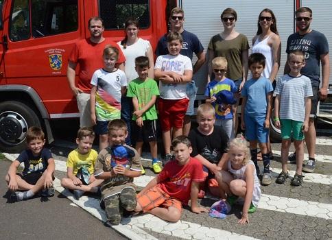 Feuerwehr-Olympiade bot Ferienkindern Spiel, Spaß und kühle Erfrischungen