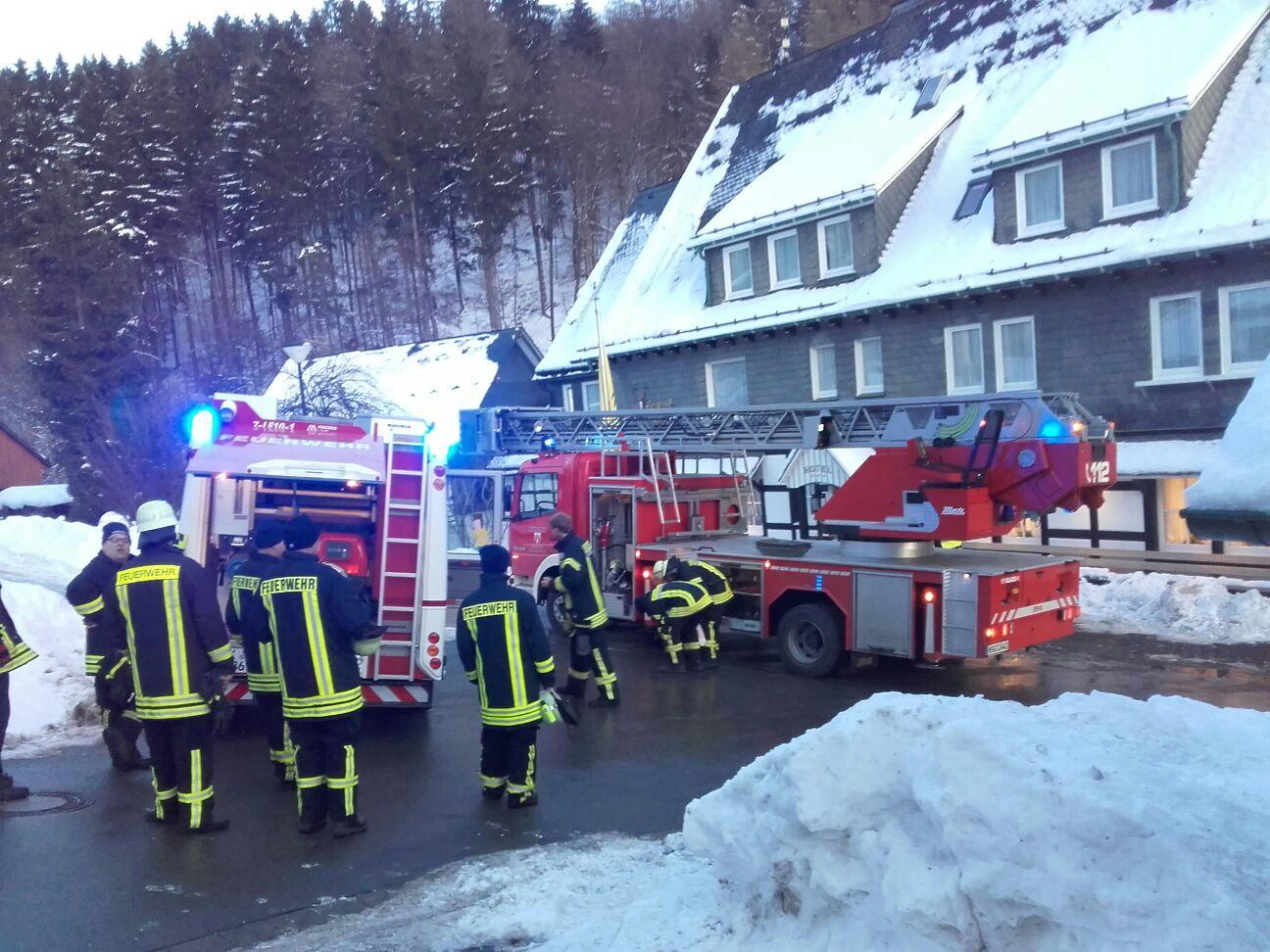 Feuerwehr rückt zum Kaminbrand nach Latrop aus