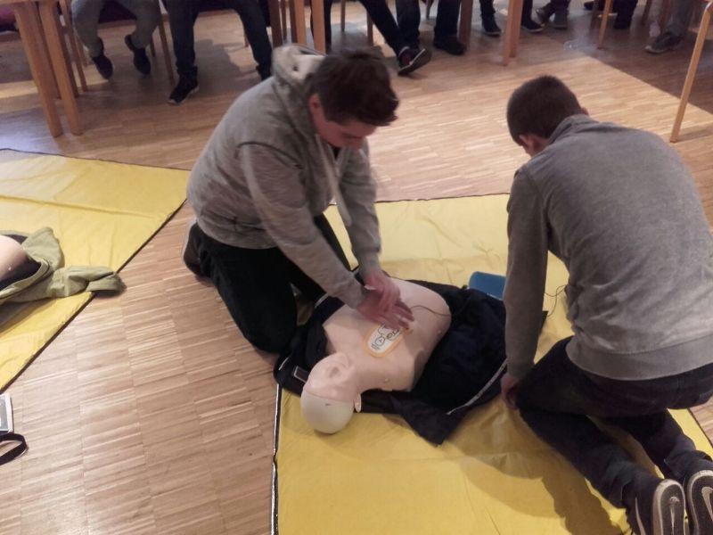 Jugendfeuerwehr absolviert Erste Hilfe Kurs