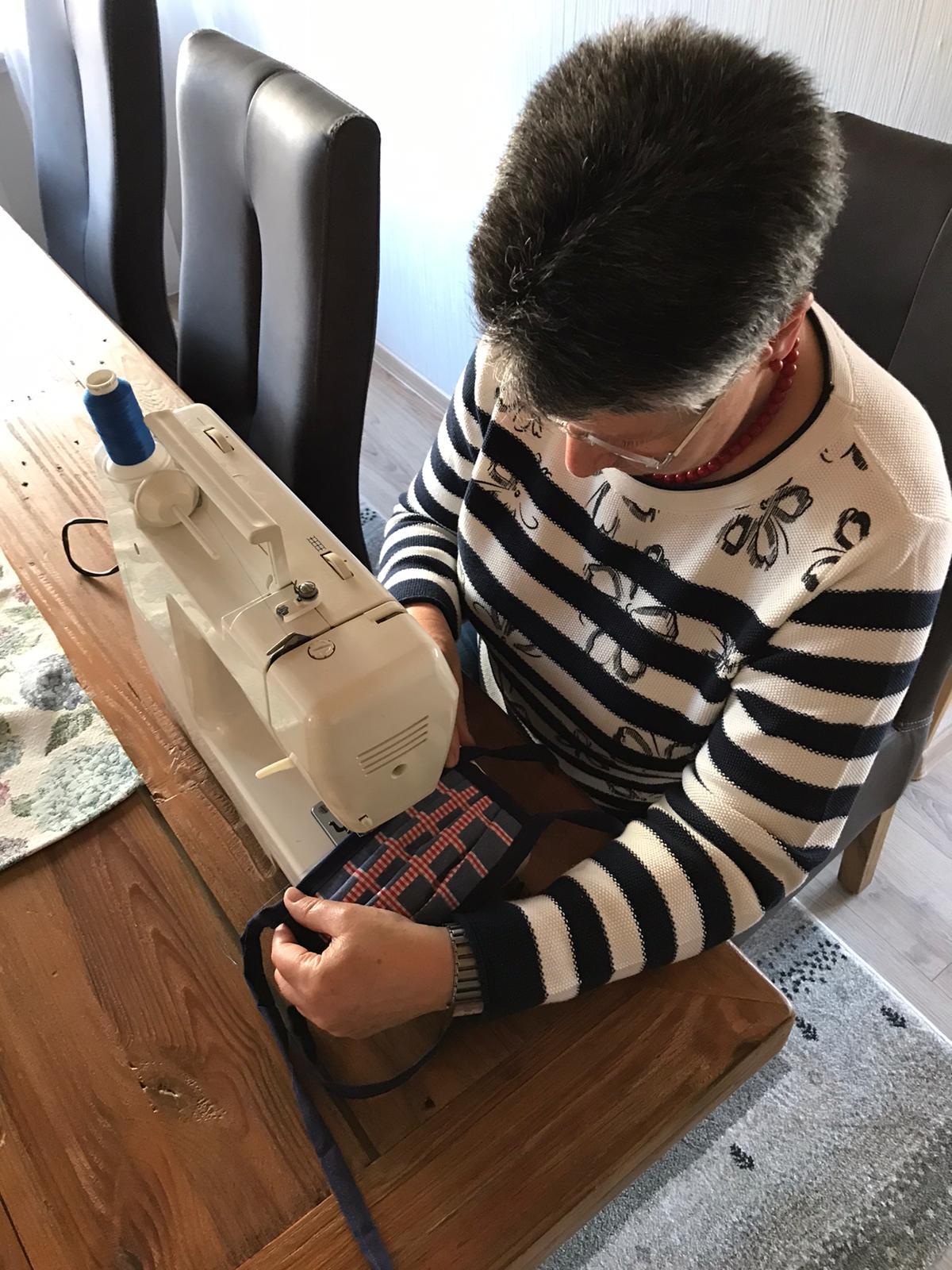 Schutzmasken: In Japan üblich – in Deutschland verpönt. Vorbildliche Grafschafter Initiative hilft in der Krise