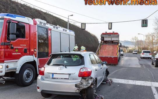 """Drei Fahrzeuge verunfallen im Morgenverkehr auf der B37 beim """"Schnitzlplatzl"""""""