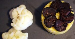 Polenta au choux-fleur et boudin noir poêlé - Feuille de choux