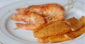 Gambas et frites de patates douces - Feuille de choux