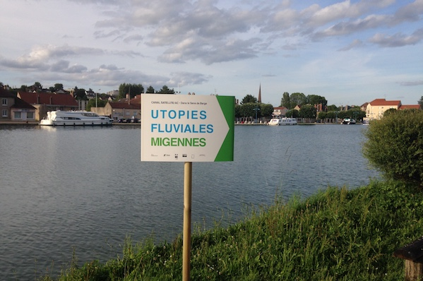 Barge-utopies-fluviales