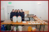 Firegirls kümmern sich um die Verpflegung