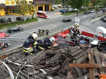 KFZ Werstaette im Brand