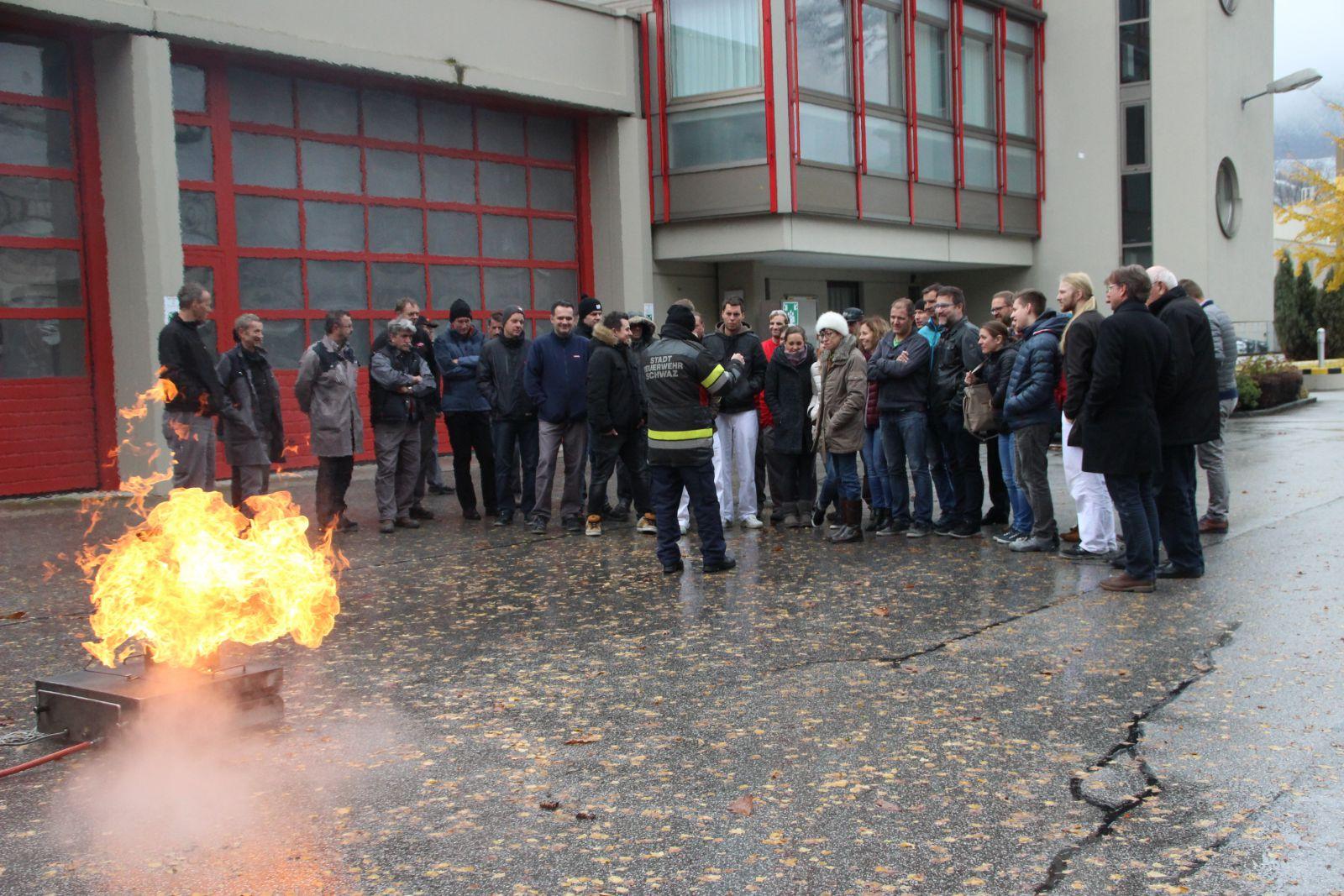10112016 Brandschutzschulungen Für Adler Lacke Freiwillige