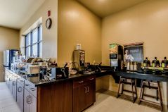 Cobblestone Hotel Breakfast Bar