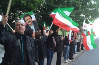 Exiliranier protesterar ny attack mot Camp Liberty