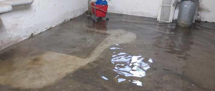 Einsatz: Wassereinbruch im Dorfgemeinschaftshaus Nienstedt