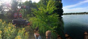 Technische Hilfeleistung: WLFA-K hebt Zillen aus der Donau