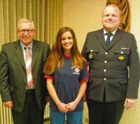 . . . und freuen sich über die Aufnahme von Michelle Saali in den aktiven Einsatzdienst.