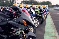 On doit retrouver tous les modeles existants de moto sur ce parking