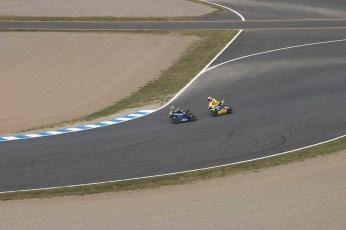 Rossi et Tamada roue dans roue. Tamada va finalement le depasser pour prendre la tete de la course jusqu'a la ligne d'arrivee.