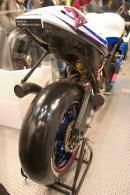 Suzuki, arrière et pneu Bridgestone