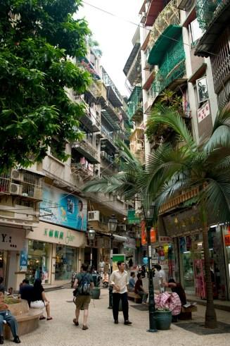 Centre de Macao, rues étroites et immeubles vieillissants