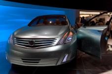 Nissan Intima, face avant