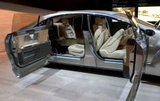 Mercedes F700, intérieur salon avec écran géant